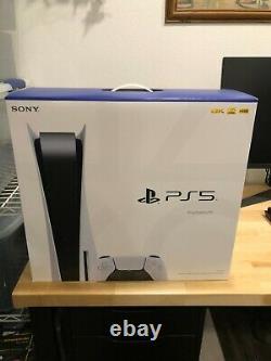 Ps5 Sony Playstation 5 Disc Version Console À La Main Le Jour Même De L'expédition